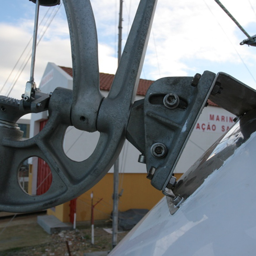 Mounting option 1 for the Neptune yacht self steering windvane